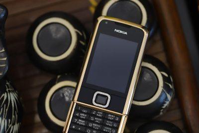 Nokia 8800 vàng hồng đen đính rồng