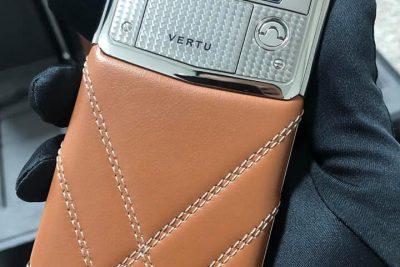 Vertu Signature Touch Bentley