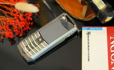 Vertu Ascent X Titanium Carbon Fibre Black And Green Leather